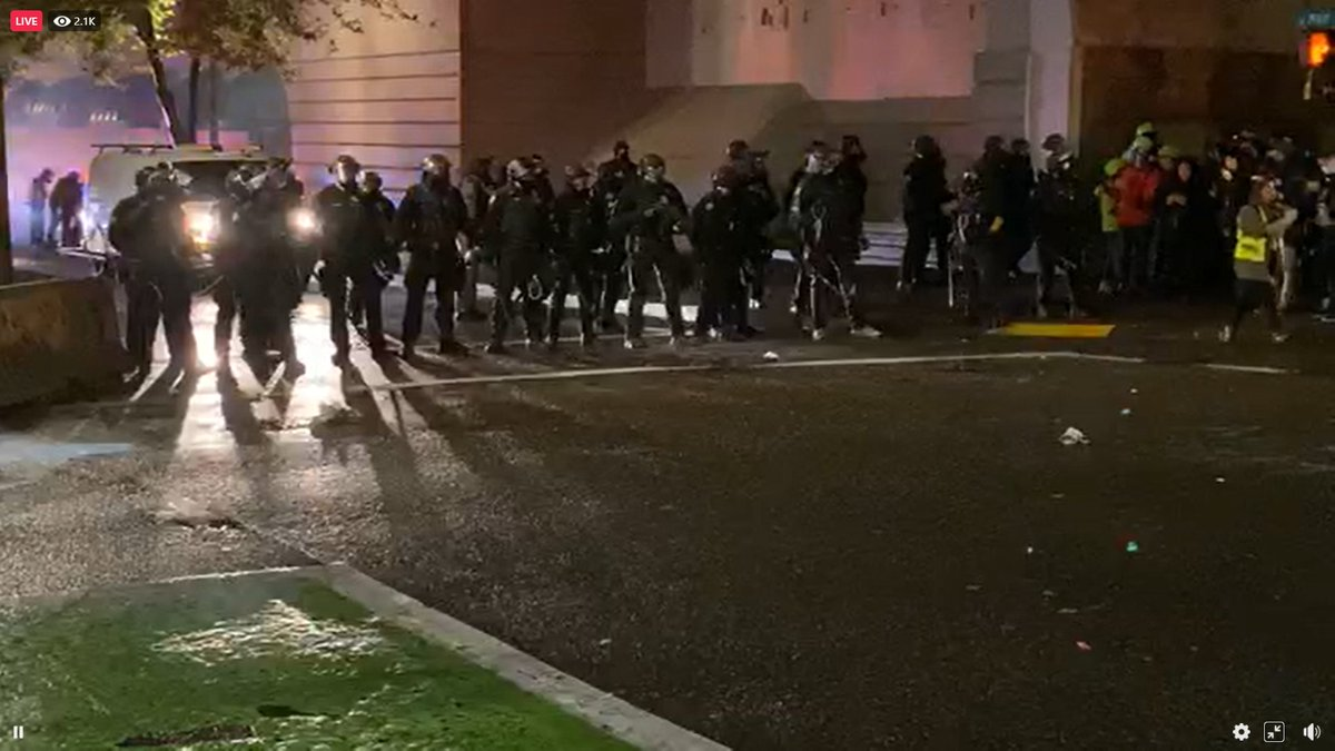 The Portland Police randomly delcare a riot when the protesters were just standing there and now have the green light that they wanted so they can abuse the protesters like they always do #Portland #Protests https://t.co/T5HW2MlnRp