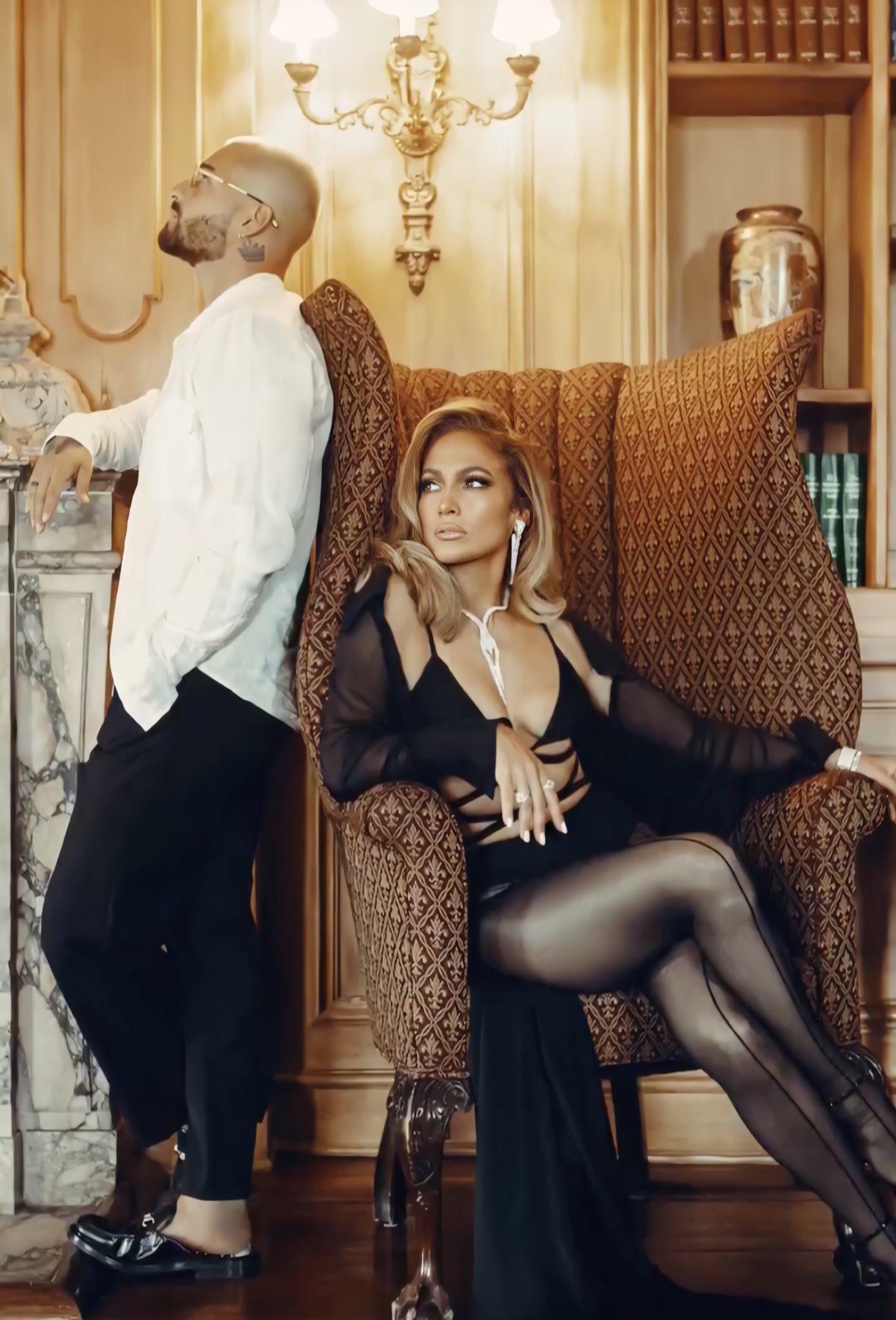 Jennifer Lopez - Σελίδα 46 EiqJlAQXgAI8rHL?format=jpg&name=large