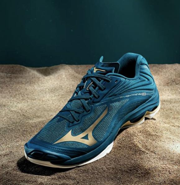 MIZUNOの大人気モデルWave Lightning Z6の限定カラー💙💙💙  https://t.co/KgEWzwfQei  #オーカ #海外バレー #バレーボール #バレーシューズ #バレー #バレーボールシューズ #mizuno #リミテッドエディション #volleyballshoes #MizunoExpedition https://t.co/HCzGZBhPOp