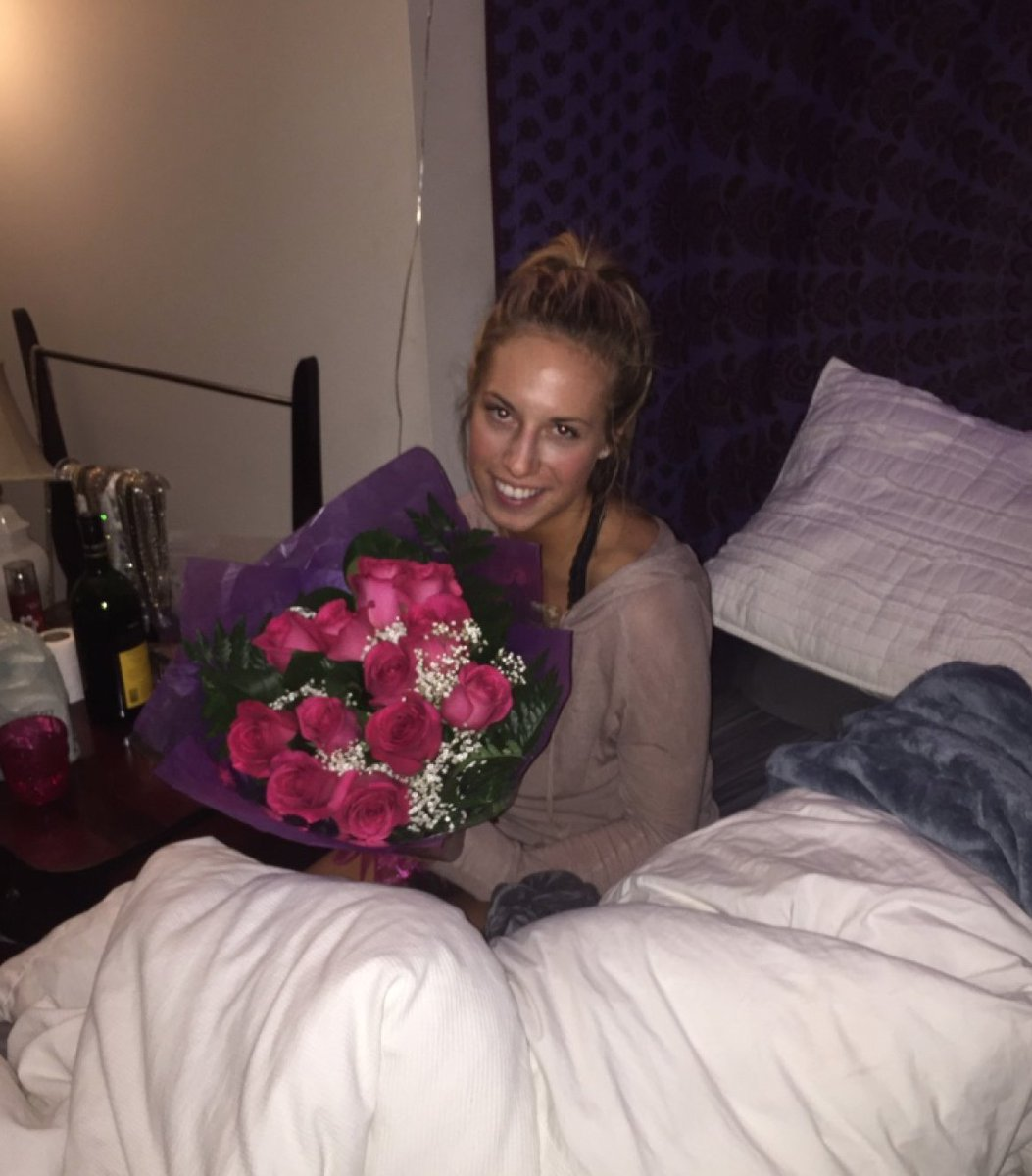 me at 21 after forgiving my ex for cheating on me bc he bought me flowers https://t.co/LcOZ2y0tNt