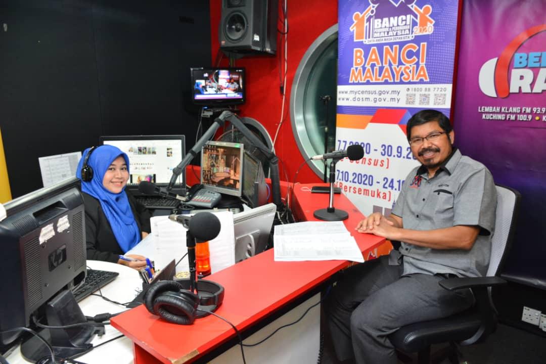 Menjadi tetamu dalam program Temubual Radio BERNAMA sempena pelaksanaan Banci Penduduk dan Perumahan Malaysia 2020. Terima kasih kepada Dj Nazira yang mengendali segmen pada hari ini dengan membawakan tajuk Banci dan Kesihatan. #DOSM #Banci2020 #MenghitungMalaysia #MyCensus2020 https://t.co/Jxzsr7kJHU