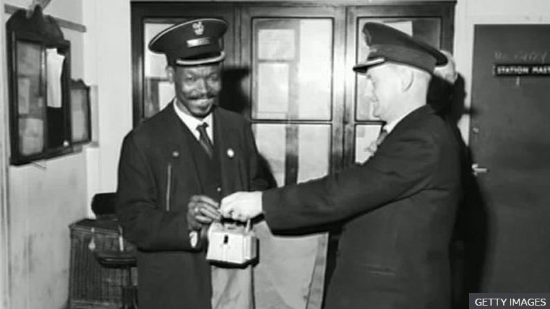 A plaque to honour Asquith Xavier, the railway worker who overturned a whites-only recruitment policy at British Railway's London stations in the 1960s, is to be unveiled later. https://t.co/oAcW0bg1FB https://t.co/XTInt7PzVX