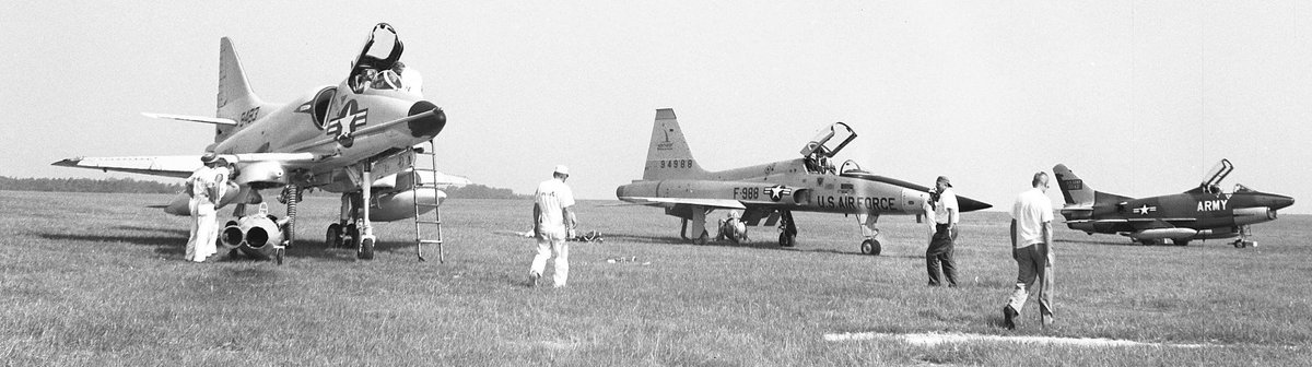 The year was 1961 and the Army was looking for a jet for ground support  , tested the A4D Skyhawk, The Fiat G-91, and the Northrop N-156. Program don't move forward . #aviation #airplanes #military https://t.co/bnCi3QF7Me