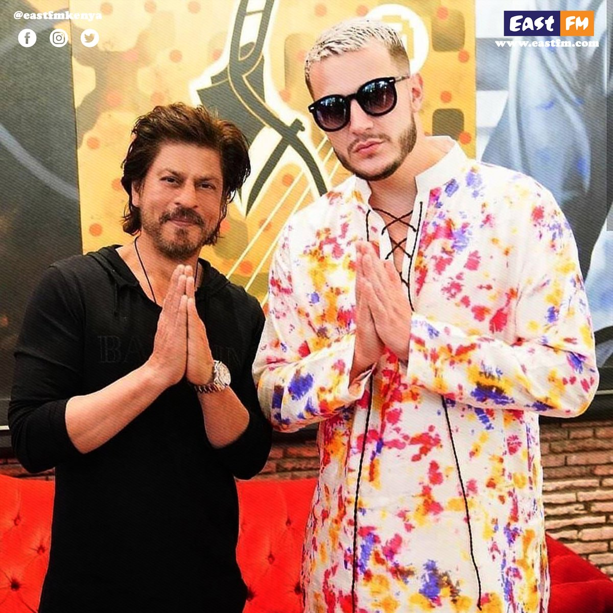 Throwback to when #ShahRukhKhan posed for a picture with #DjSnake and taught him his signature pose. #shahrukhkhanfans #shahrukhkhanfanclub #shahrukhkhanlovers #shahrukhkhanclub #djsnakefans #djsnakearmy #EastFm #EastFmKenya #RadioAfrica https://t.co/DO7O7B2DNn