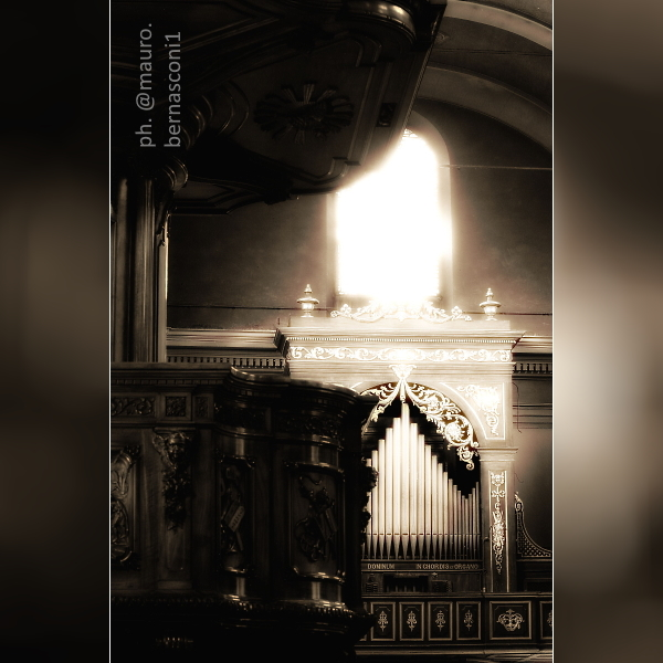 🇮🇹 COMO. Chiesa di San Bartolomeo ... My photographs in: https://t.co/hAkjQWHAwd + https://t.co/OLY3bspNyz + https://t.co/azHPsTlg4a #Como #LakeComo #ComoLake #LagoDiComo #Lario #InLombardia #photography #photo #photographer #blackandwhitephotography #PhotographyIsArt #sepiatone https://t.co/zkKTAW8usa