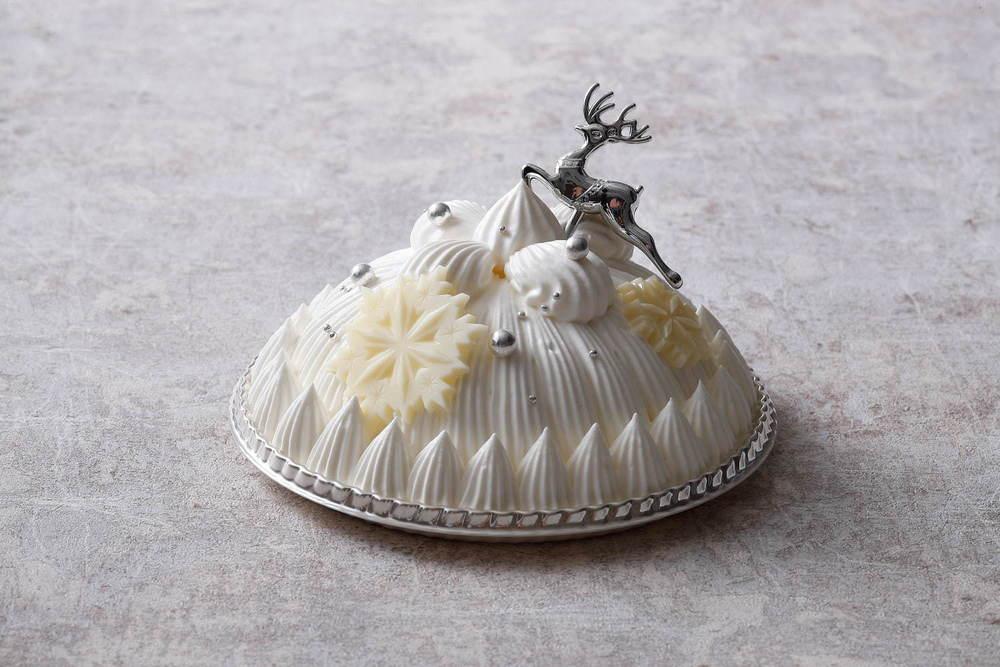 東京會舘のクリスマスケーキ2020「マロンシャンテリー」や苺約80個を使った特大ショートケーキなど -