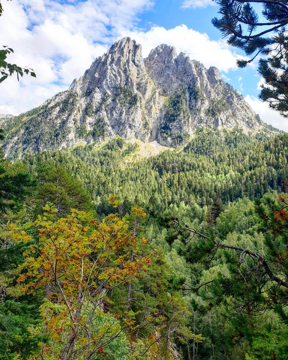 Els Encantats. #elsencantats #espot #pallarssobirà #altpirineu #pnaigüestortes #hiking #estiu2020 https://t.co/Tbv9D8c3hq