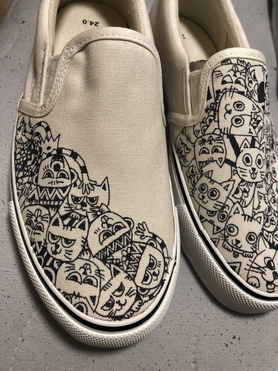 #芸術同盟 #仕事 #依頼 #受付中 #vans #オリジナル #アート #芸術の秋 #学園祭 #doodle #世界に一つだけ #only #猫 #犬 #子供 #スリッポン https://t.co/8xRo17zB2t