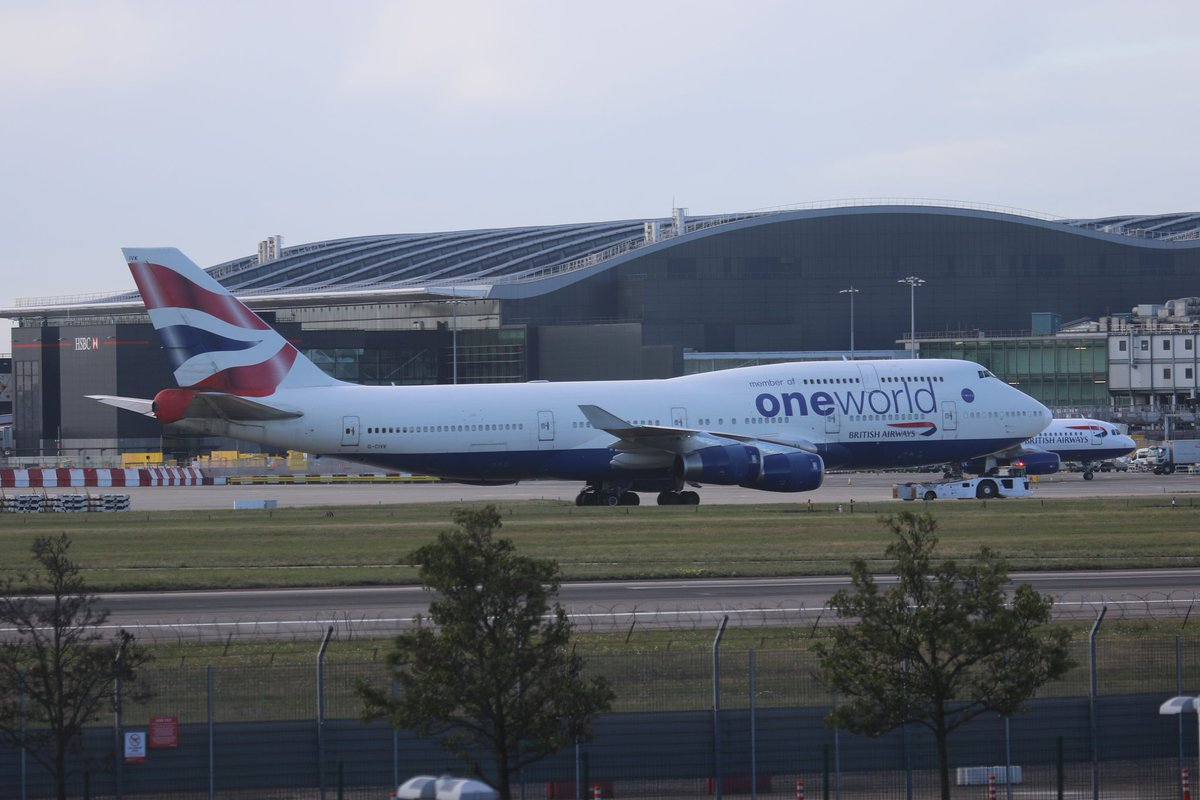 Another farewell... @British_Airways #B747 G-CIVK under tow to stand today ahead of final @HeathrowAirport dep later https://t.co/GRVg2R2Ywb