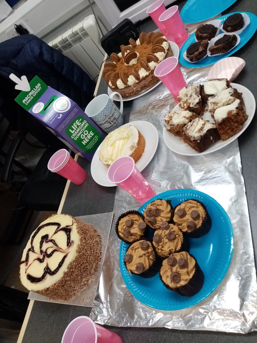 Macmillan cancer support coffee morning ❤️☕🥮😀 @P3Warwickshire   #P3cares #MacmillanCoffeeMorning https://t.co/6RHDvRCs1q