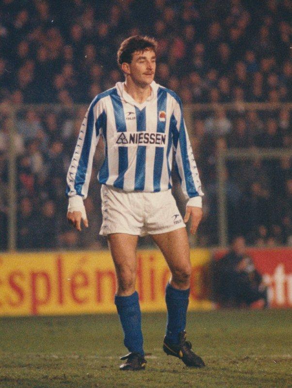 🔙 El 24 de septiembre de 1989 @Realaldo474 debutó con nosotros  ⚽️ 75 partidos y 40 goles como txuri urdin 💙⚪️  #HistoriaRS #AurreraReala https://t.co/WtBZjarHkU