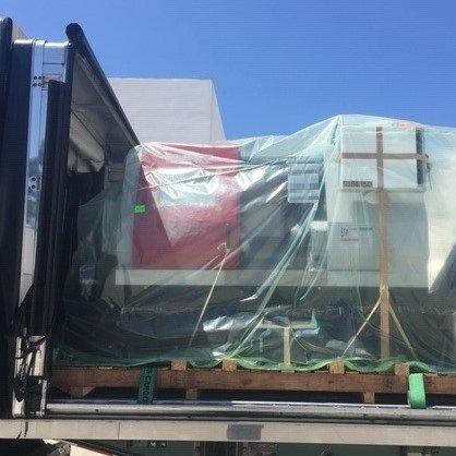 Conestoga load of CNC machines headed to the east coast. 🚚🚛  #logistics #industrialmachine #shipping #trucking #cnc #cncmachining #industrialmachinery #Transportation #freight #conestoga #freightbroker #cargo #supplychain https://t.co/tI8wl9c8hc
