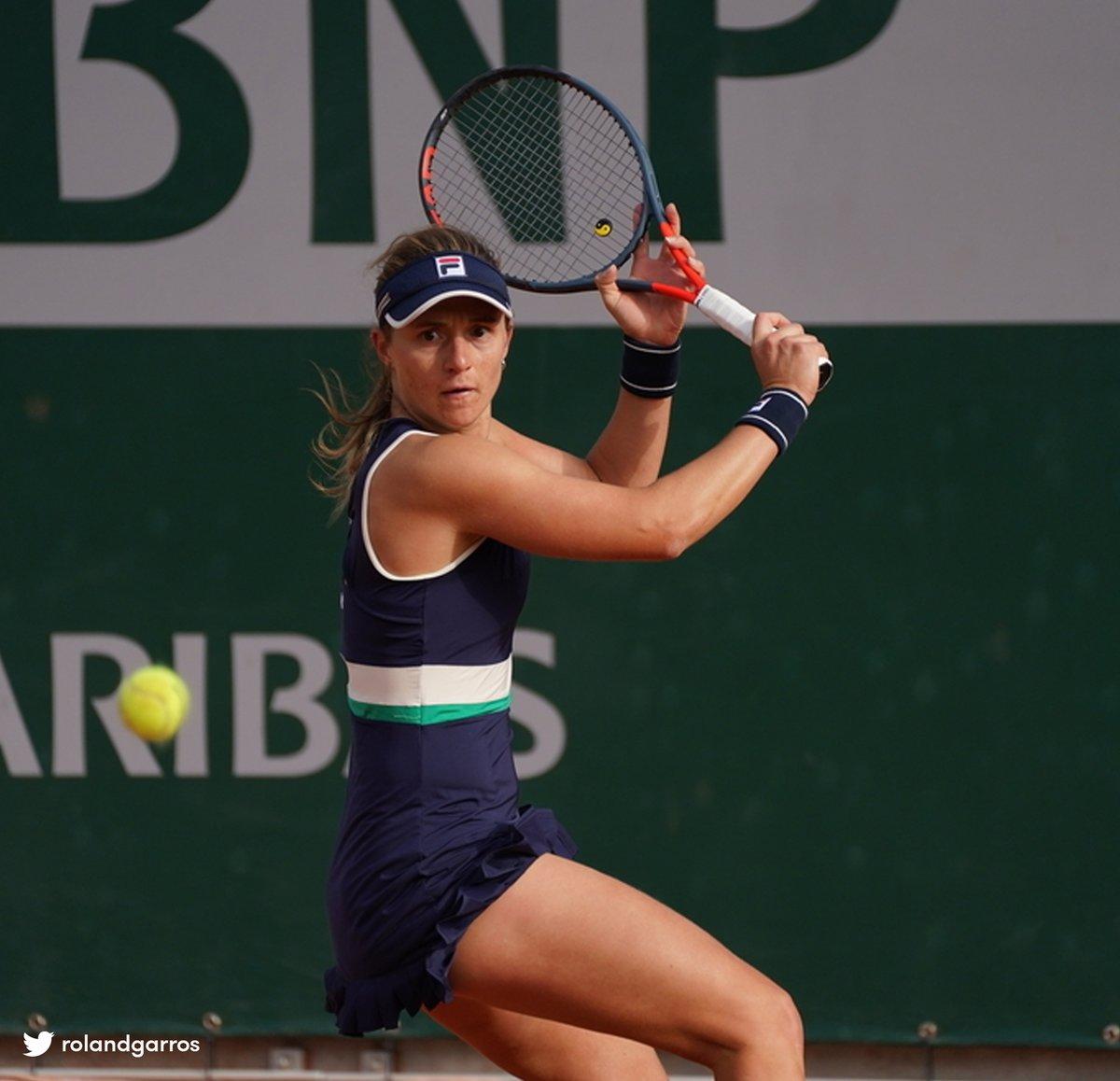 ¡Gran jornada para el tenis latinoamericano en la segunda ronda de la qualy del cuadro femenino de #RolandGarros! 🇫🇷   🎾 Nadia Podoroska 🇦🇷 6-0 y 6-4 a Jaqueline Cristian 🇷🇴 🎾 Daniela Seguel 🇨🇱 4-6, 6-4 y 6-3 a Leonie Kung 🇨🇭 🎾 Renata Zarazúa 🇲🇽 6-3 y 6-3 a Viktoriya Tomova 🇧🇬 https://t.co/jQcQCmsKkN