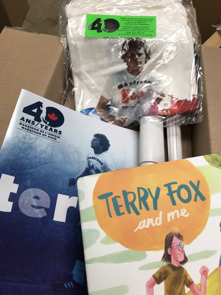 #terryfoxrun2020 @LEShawElem our #schoolfamily just received this package in the mail ❤️ We are excited to read the book #TerryFoxandMe We believe that our #commitment & #TeamWork with others will make a difference ‼️#CancerResearch @TFFSchoolRuns @TerryFoxCanada @terryfoxcentre https://t.co/7nfgwPhSoz
