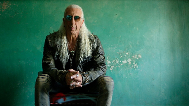 DEE SNIDER Says 'It's An Insult' To His Korean War Vet Father To See DONALD TRUMP 'Buddying Up' To KIM JONG-UN https://t.co/azVLb5BDZW https://t.co/ejToZ6JFzU
