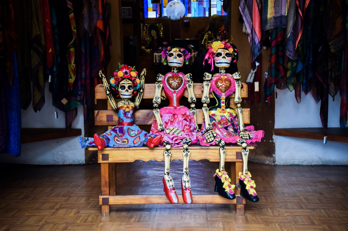 """CALAVERA - Spanglish Voces  The """"Day of the Dead"""" is fast approaching! https://t.co/eEYrKAwZBi https://t.co/U5MNQ0PWU9"""