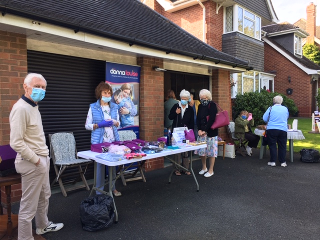 Our #Stafford Friends Group really are a wonderful bunch! After making and selling jars of jam they've raised an incredible £1,000! The group has been supporting the hospice for 11 years, raising over £65,000 in total – what an amazing achievement! Thank you so much💖🌟 https://t.co/hJGqUaUlmO