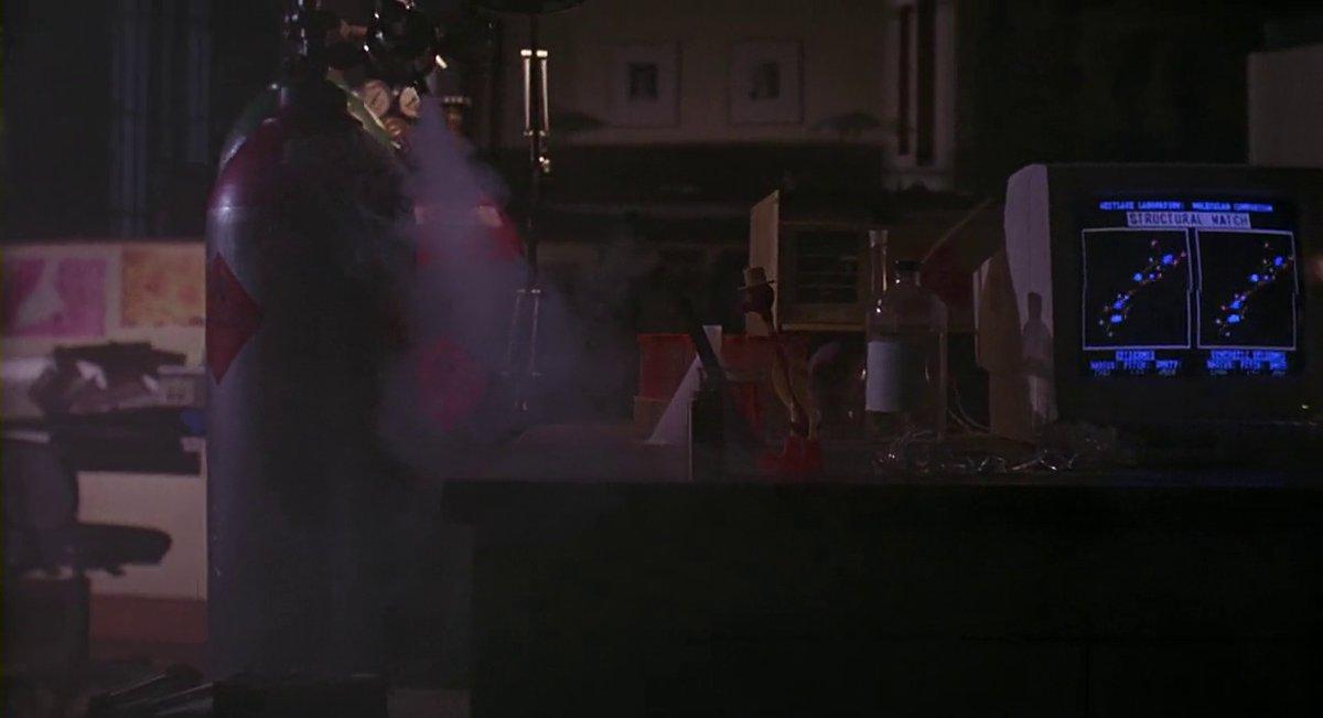 Frame #28975 #Darkman #SamRaimi #LiamNeeson #FrancesMcDormand #LarryDrake #90s https://t.co/hQiVWaqvvh