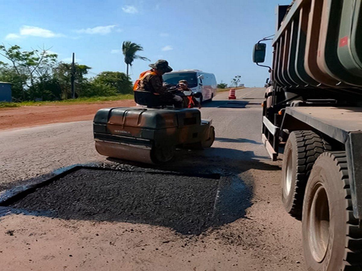 3º Batalhão de Engenharia de Construção trabalha para o aumento da trafegabilidade na BR-135 no Maranhão https://t.co/H0RnMx0wjw #BraçoForte #MãoAmiga https://t.co/p56lQPBvRr