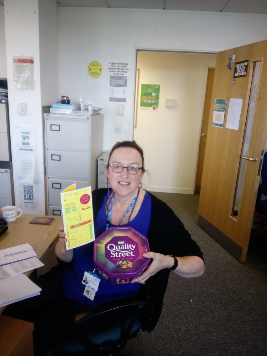"Bit of positivity from #Bury community mental health team as Vanessa, social worker, received special thanks from a patient:  ""Vanessa really saved me, because of the situation with my mental health I was struggling to fill out my universal credit forms.  (1/2) #PennineCarePeople https://t.co/Ep60nGtKje"