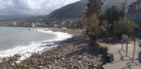 Erosione costiera a Caronia, intervento della Regione sul litorale (FOTO) - https://t.co/h6Ut7sAh4N #blogsicilianotizie