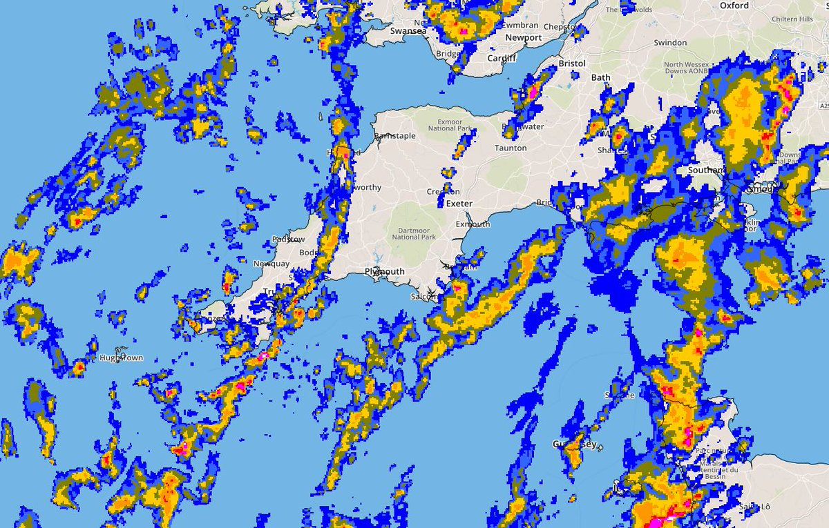 Lots of showers today and colder, waterproof and fleece me thinks ! https://t.co/ENE4lMYp51