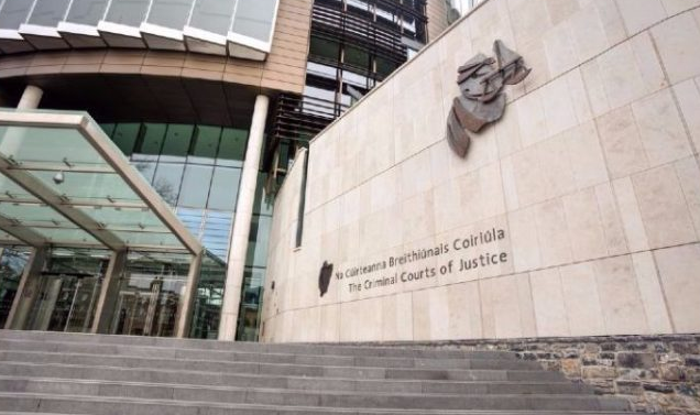 Tipperary man begins appeal against sentence for the rape of his foster daughter  https://t.co/SUX6jvhdul https://t.co/4Qp4F881GU