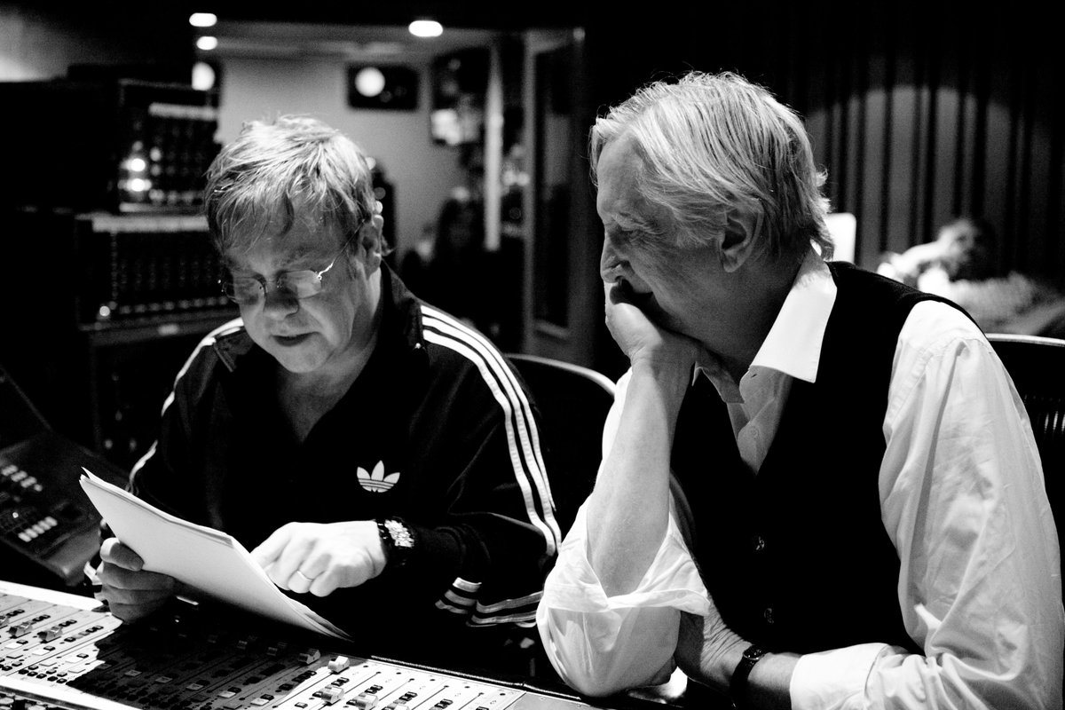 The Diving Board came out #OnThisDay in 2013! It was very similar to the early days of the EJ Band, with just bass and drums. This was my 2nd album with T Bone Burnett who was actually at my first show at The Troubadour in '70!🚀  What's your favourite song from The Diving Board? https://t.co/WCJnT2cyZH