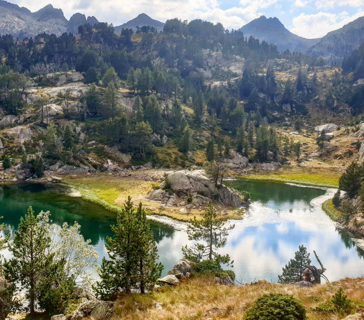 El lac de Clòto de Baish, al circ de Colomèrs. #lacdeclòtodebaish #circdecolomèrs #colomèrs #nautaran #valdaran #bicicleta #btt #mtb #estiu2020 https://t.co/AMrc4dqHiO