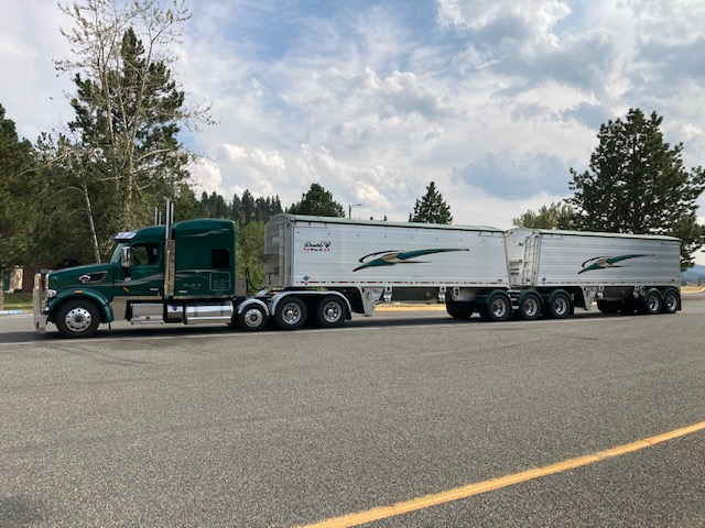 Thanks to Jacob for sharing photos of his truck with liquid platium fenders!  Looking good!  👍  #Trucking #Minimizer #Fenders #LifetimeGuarantee https://t.co/P4FpCbvA4o