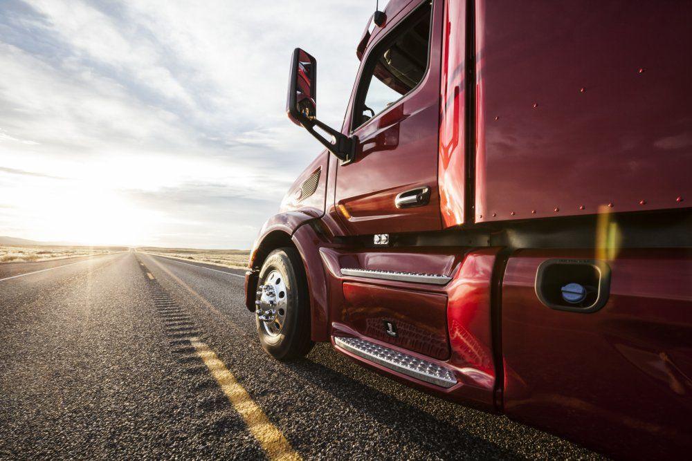 Livestock Hauler Runs on Proven, Reliable CAT Engine https://t.co/kPKALqTyrj #Ag365 #Trucking #RoadWarrior #LetsDoTheWork https://t.co/VPnwp8iZV3
