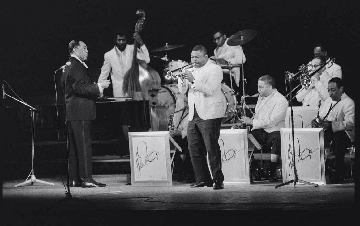 """🎷 Sentim els grans solistes de l'orquestra de Duke Ellington, començant pel trompetista Cootie Williams i el  """"Concerto for Cootie"""" que li va dedicar el cèlebre músic ➡️https://t.co/klannrZTrO  #CafèJazz https://t.co/ajNYsVURXK"""