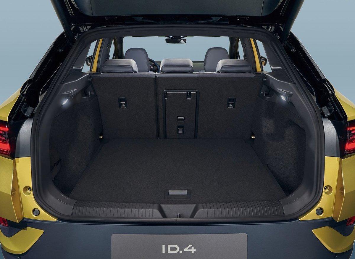 """""""Hola ID., Bienvenido al mundo eléctrico"""" 😀👏 ID.4. El primer eléctrico de Volkswagen. @VWChile @vw_es_prensa #VW #ID4 #SCLMAG #ElectroMovilidad https://t.co/h4HqyjAhfS https://t.co/bIYwqaLAxf"""
