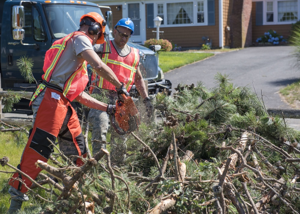 The White House recently approved Public Assistance in Florida in response to Hurricane Sally. This program funds local government, private sector & non-profit organizations for debris clean up & infrastructure damage. More info & how to apply: fema.gov/disaster/4564