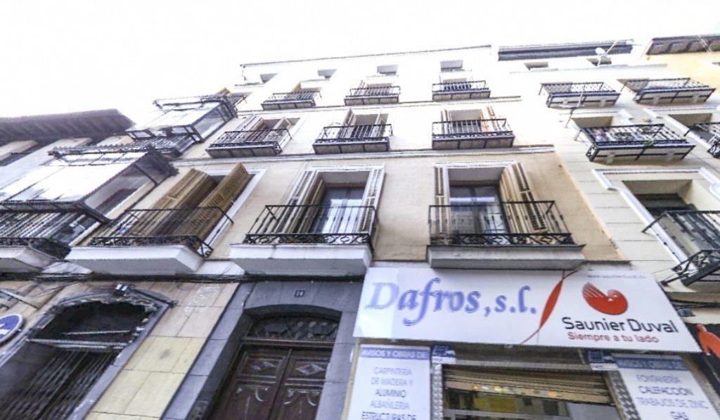 El edificio de #AquíNoHayQuienViva existe y está en #Madrid #splash20radio https://t.co/qnzuyqvWUz