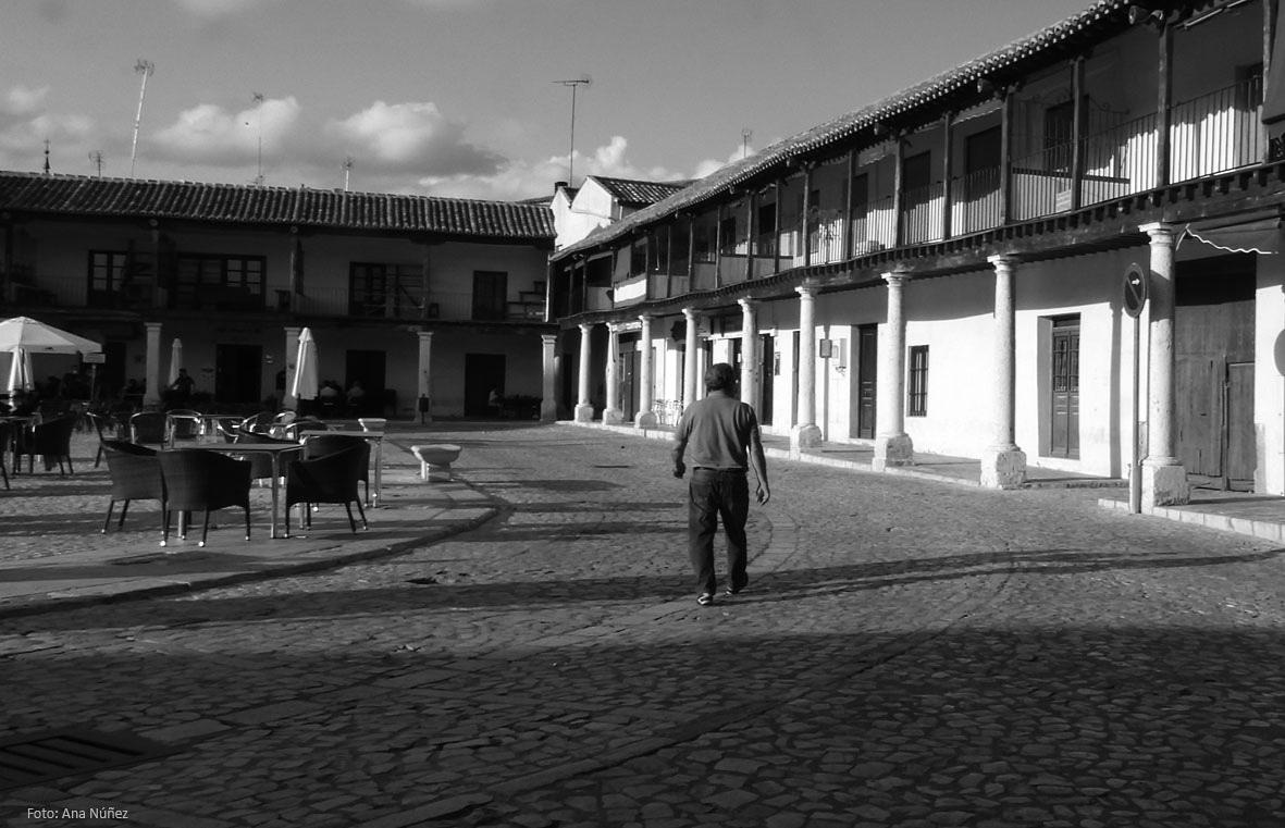 #Colmenar de Oreja #Pueblos de #España Comunidad de #Madrid #Spain #photo #picture #photography #travelling #viajar #fotografía #lugaresconencanto #blackandwhitephotography #blancoynegro #bnwphotography #bnwphoto #travelphotography #village  #Foto: Ana Núñez (@eljardindemab) https://t.co/0QnRgi23OI