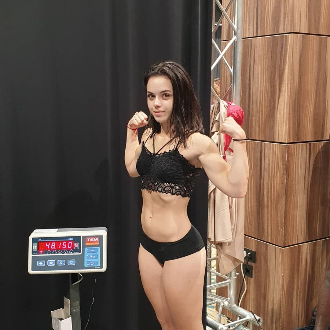 Muay Thai champ Daniella Shutov #mma #wmma #strongandsexy https://t.co/JxgmZfg0QZ