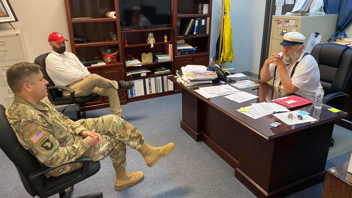 Col. Zach Miller, @MemphisDistrict commander, and local government liaison Andrew Auxier, @HuntingtonCorps, meet with Iowa, La., mayor Paul Hesse to discuss the progress of Operation #BlueRoof in his community following Hurricane #Laura. 📷: G. Stringham