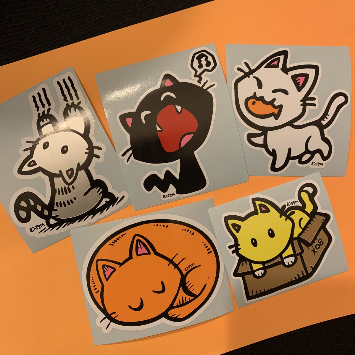 *KAWAII KON/CONIC CON HONOLULU VIRTUAL CON COUNTDOWN #1 - 5 brand new limited vinyl cat stickers thanks to Katie Konno & Ross Mukai of Oahu Makerspace • These will be only available on my Eventry online store at  https://t.co/DgN686K1pm  starting 9/25/20 https://t.co/0YmhxUzZqM