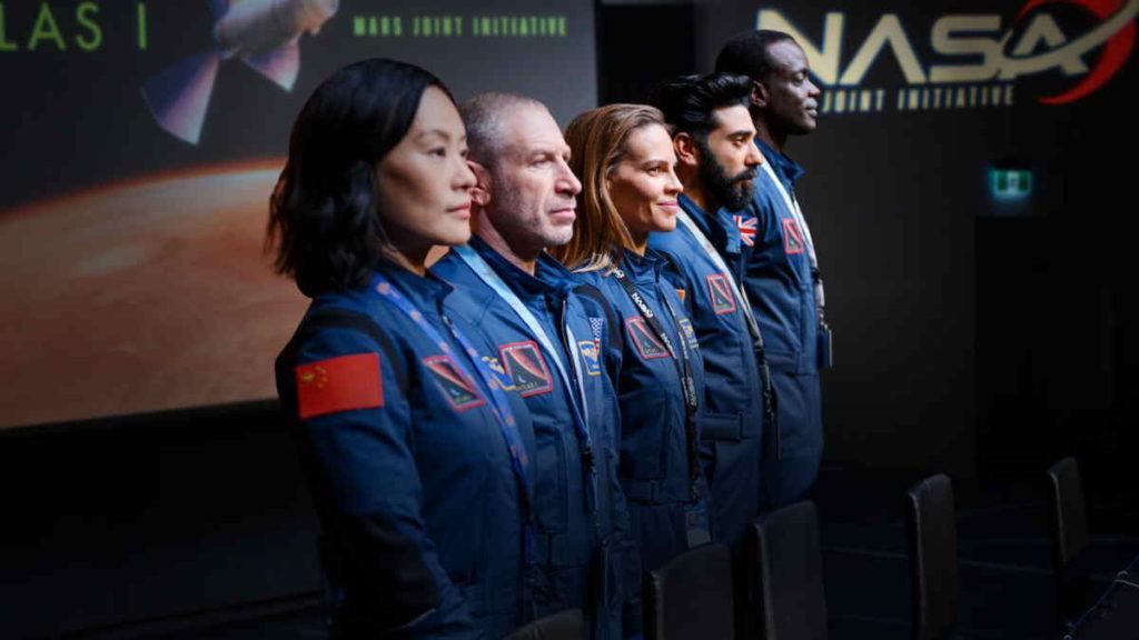 Take a look at this series. #Away #Netflix #Launching #NASA  #KingsOfSpace  #HilarySwank https://t.co/cu29cPv4mS
