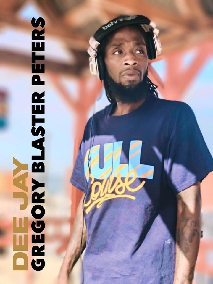 Happy RnB & Slow Jams Thursday. Check me on Twitch at Noon. Great Music & Fun Chat.  #djblaster #newmusic #montreal #BestFeeling #likeforlikes #Twitch #twitchTv https://t.co/GOUJykcQhB