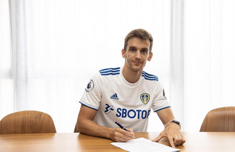 #Leeds have signed centre-back Diego #Llorente from #RealSociedad for £18m and signed on a four-year contract✅  [@TransfersLlVE] https://t.co/q6NwKVapyS https://t.co/aQUB8PqRp4