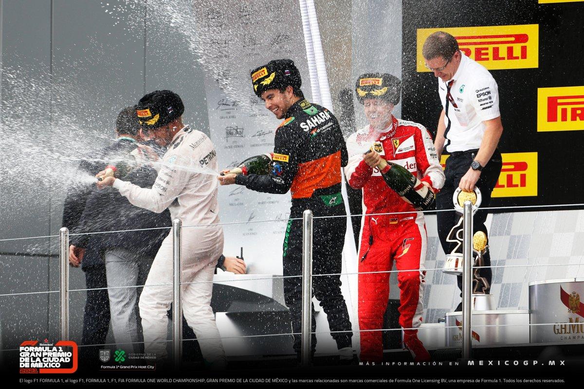 Aún recordamos ese podio de @SChecoPerez en el #RussianGP de 2015. 🇷🇺🍾 #F1 #tbt