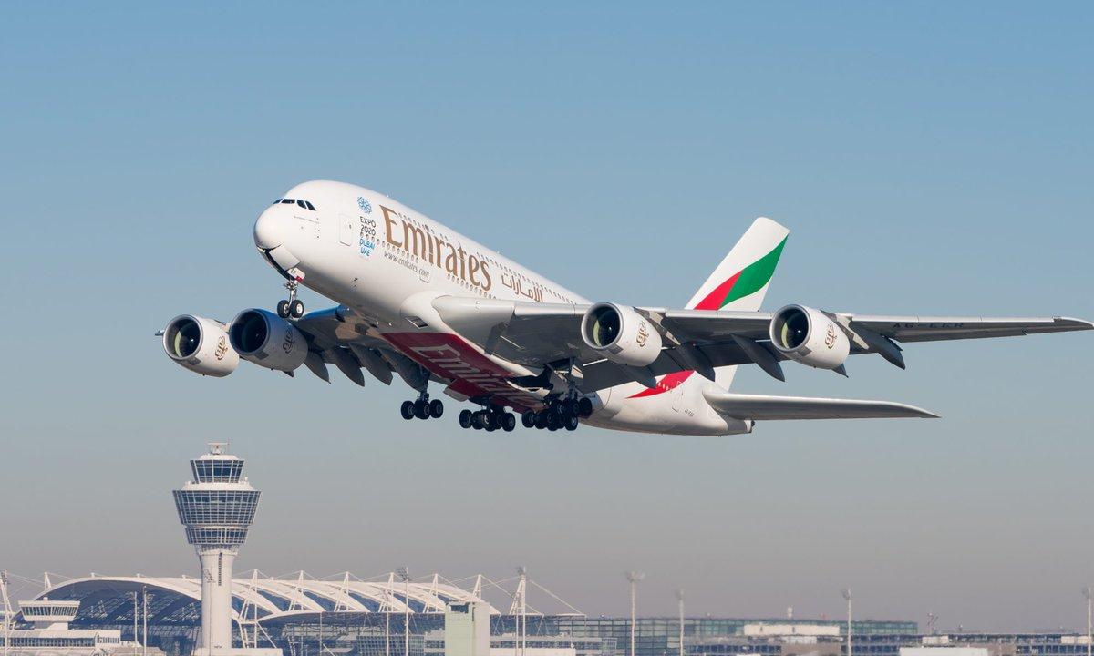 مصنع ايرباص للطائرات العملاقه A380 في صدد الاغلاق النهائي حيث الطائره الموجوده هي اخر طائره من نوع A380 💔  ✈️ 4 مليون قطعة تصنع في 30 دولة ✈️ اول اقلاع كان عام2005 ✈️ المحركات صناعة شركه رولز رويس  ✈️ سعر الطائرة بحدود 450$ مليون ✈️ تحمل من 500-600 راكب كمتوسط https://t.co/GvczCuznEn https://t.co/3vLtzRkFs2
