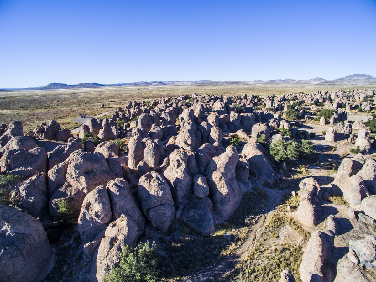 New Mexico has so many unique landscapes—which are some of your favorites? #NewMexicoTrue https://t.co/pRQyrw0fvu