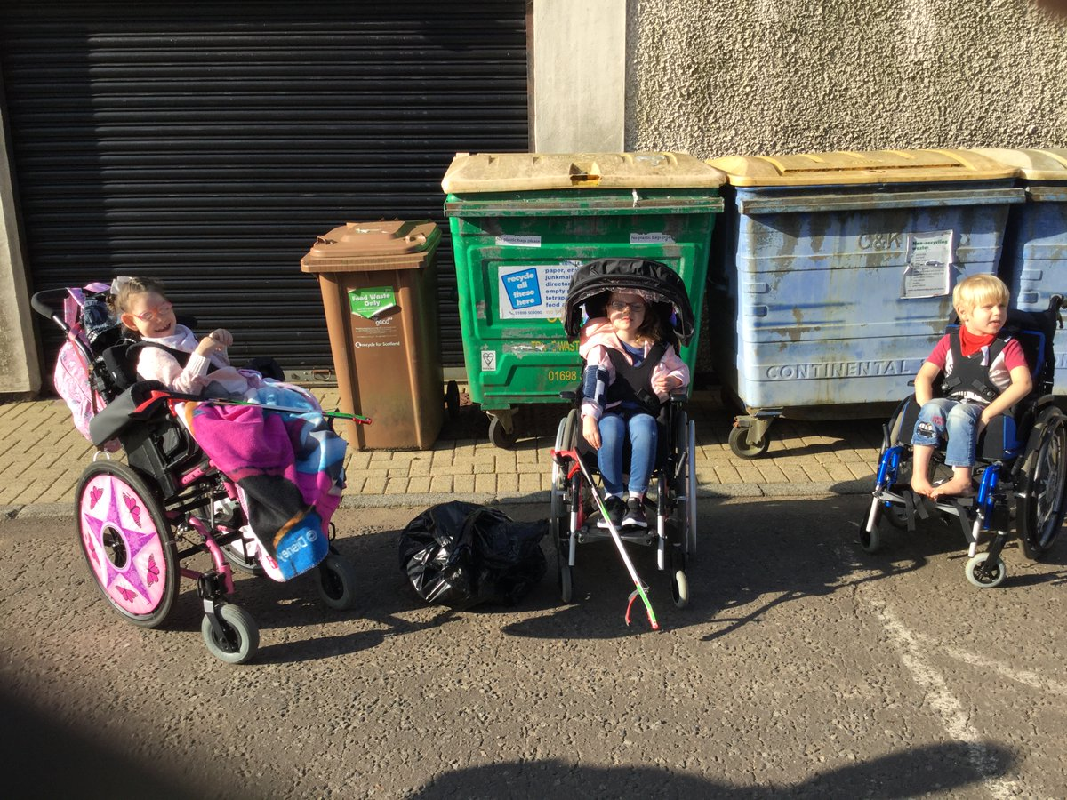 Hi @KeepBritainTidy @KSBScotland   #GBSeptemberClean #LitterHeroes  Look at these stars taking part in the Great British Spring Clean 🤩 https://t.co/xZZvH5ZzDP