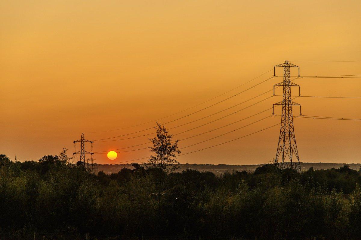 Pylons at sunset. #landscapephotography #photography #sunset https://t.co/svuPVlbAm3