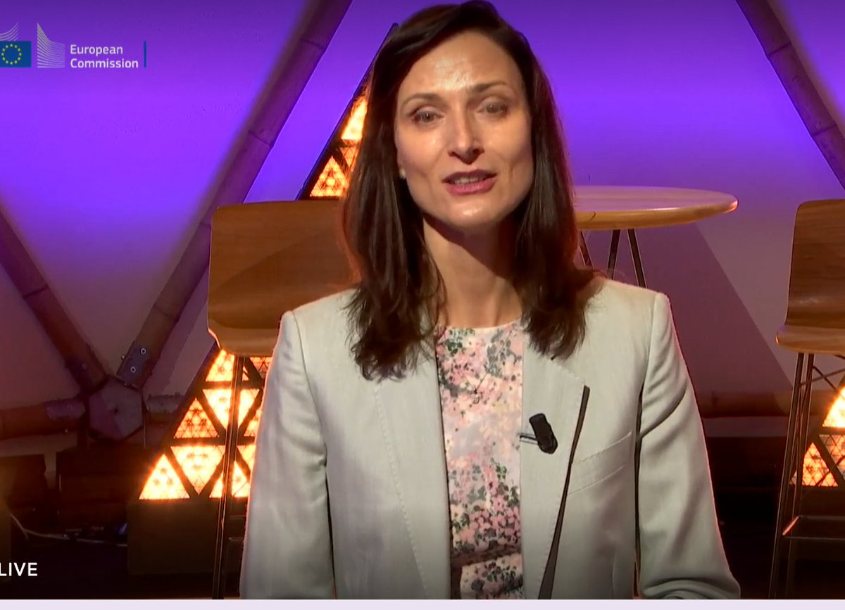 Speaing @ #RiDaysEU I got a small glimpse of the huge amount of work that went on behind the scenes: full support @GabrielMariya in her apprecition of all those that made this happen: from cleaners to @EUScienceInnov and DG EAC staff making things work, often at the last minute! https://t.co/McmEc5PcFD