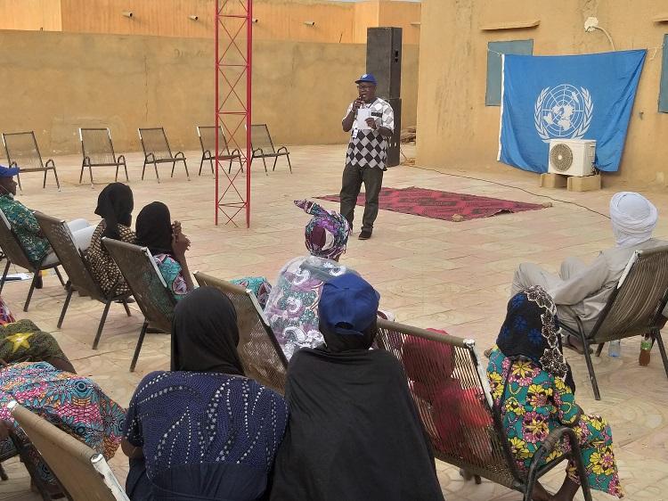 #Mali 🇲🇱 - La MINUSMA à #Gao continue ses activités de sensibilisation et d'information sur son Mandat.  Cliquez ici 📰➡️ https://t.co/4TRKLevswt https://t.co/zvsOTZLAR2