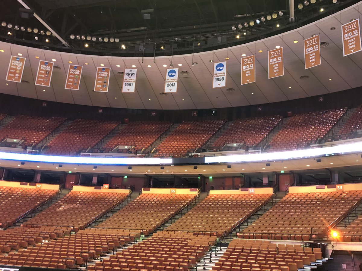 The banners are hung! We're getting ready for the @TexasVolleyball home opener next week! #hookem #pointtexas